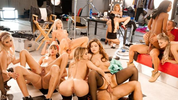 dorcelclub-17-01-31-maximum-orgy-special-pin-up.jpg