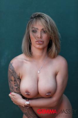 Gemma-Massey-Strips-Naked-on-the-Tennis-Court--76rfai3xlk.jpg