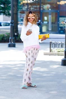 Kat Graham running errands in Beverly Hills 9