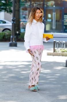 Kat Graham running errands in Beverly Hills 10