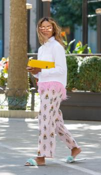 Kat Graham running errands in Beverly Hills 13