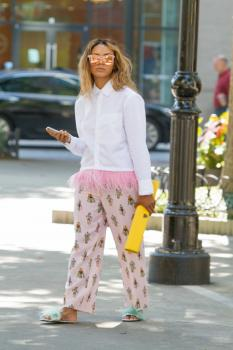 Kat Graham running errands in Beverly Hills 20