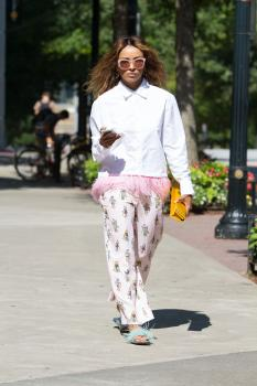 Kat Graham running errands in Beverly Hills 29